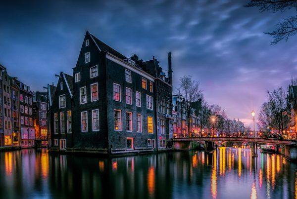 حمل بار از هلند