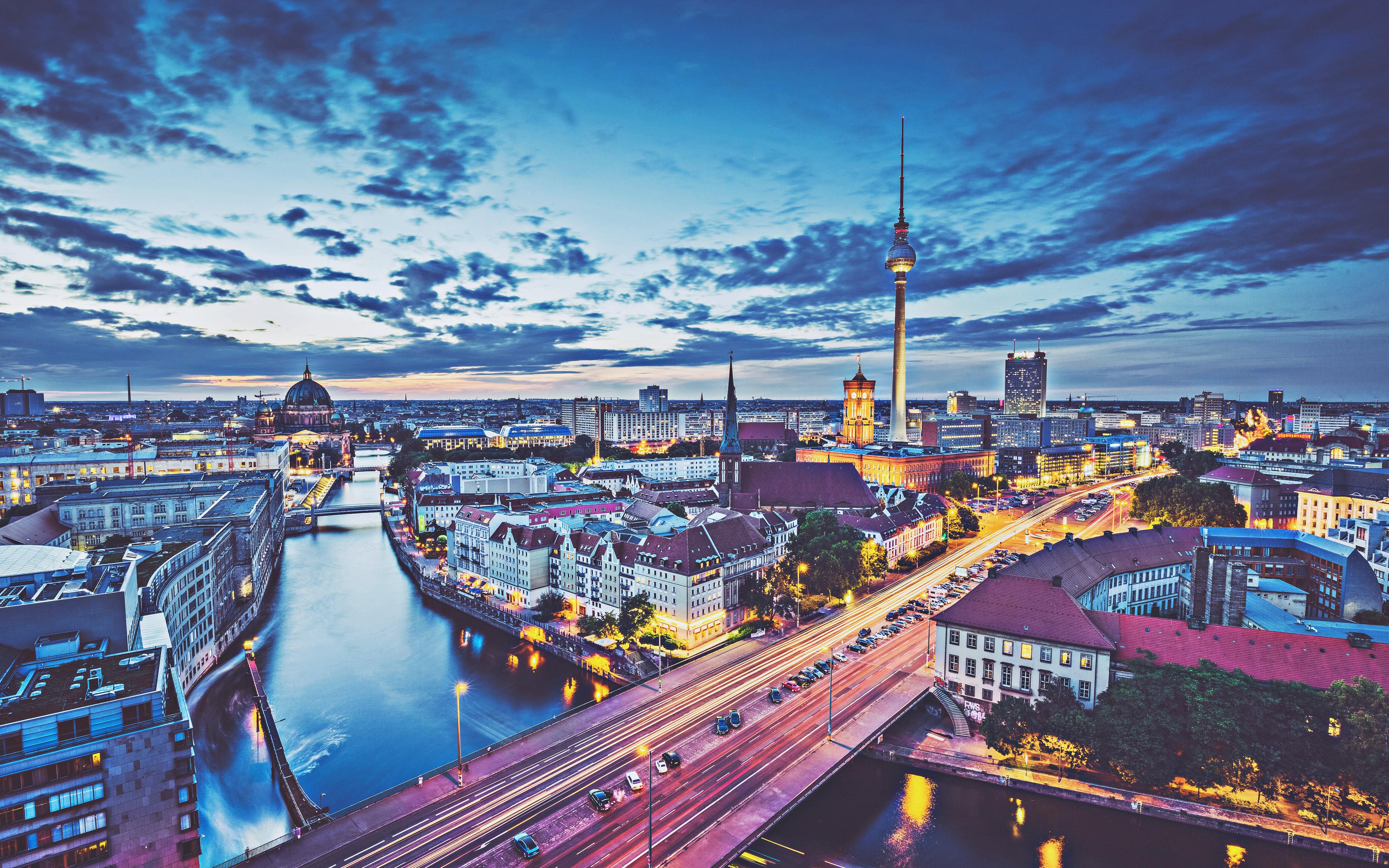 مسافرت به آلمان و فریت بار به برلین