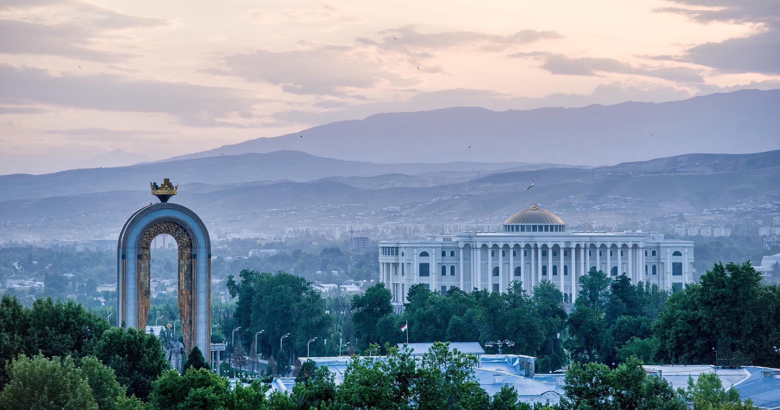 ارسال بار هوایی به تاجیکستان